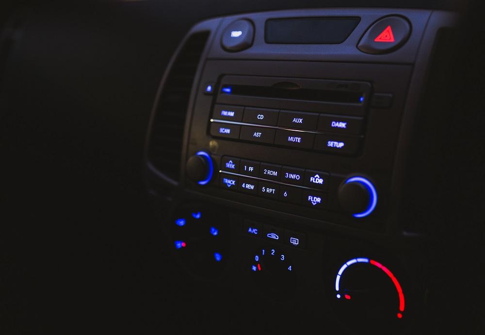 muzika u automobilu